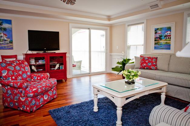 Blue Moon, 3 bedroom bliss near pier with pool - Image 1 - Tybee Island - rentals