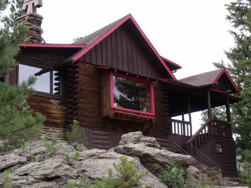 Brown Cabin- built 1931, updated for comfort and use.  Great family memories are made here! - 4 Bed Mountain/River Views! Wildlife! Estes Park - Estes Park - rentals