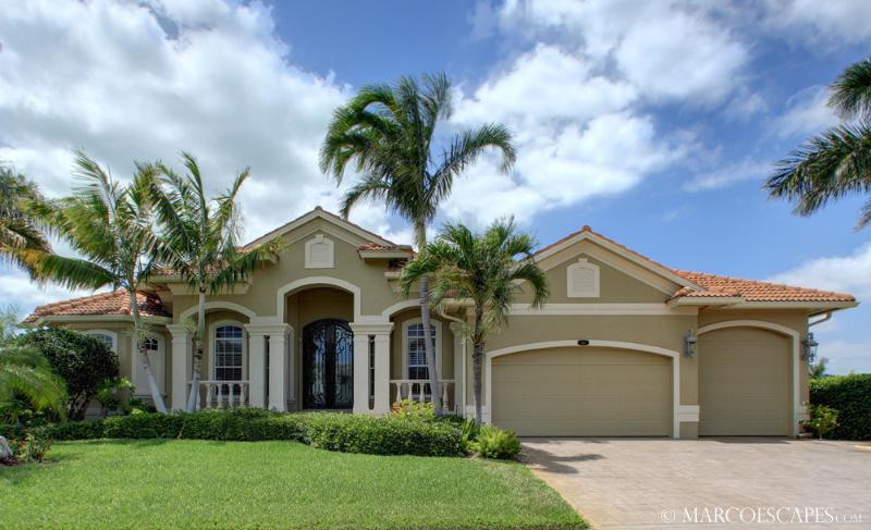 CLIFTON - Stately Island Villa, Easy Walking Distance to Tigertail Beach !! - Image 1 - Marco Island - rentals