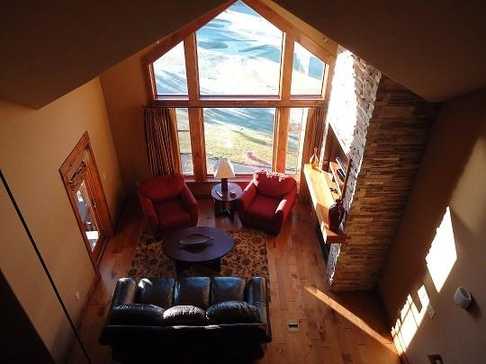 Cathedral ceiling and southern facing windows allow for a lot of natural light - Lodge 403A One Bedroom, One Bath Corner Condominium. Sleeps 4. - Tamarack Resort - rentals