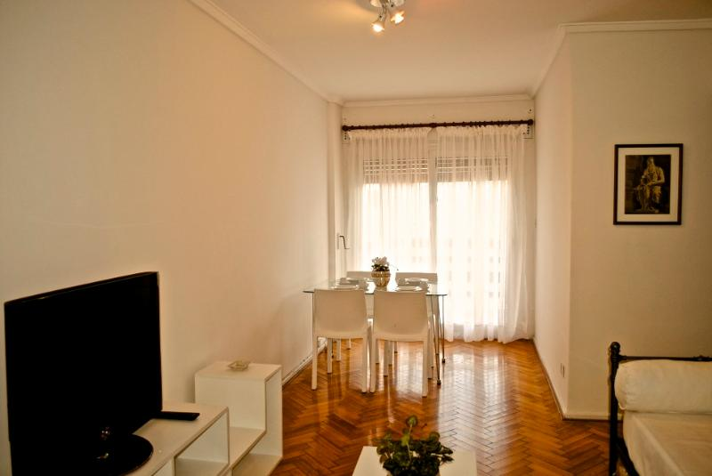 Recoleta 1bd/1bth just 'round corner from cemetery - Image 1 - Buenos Aires - rentals