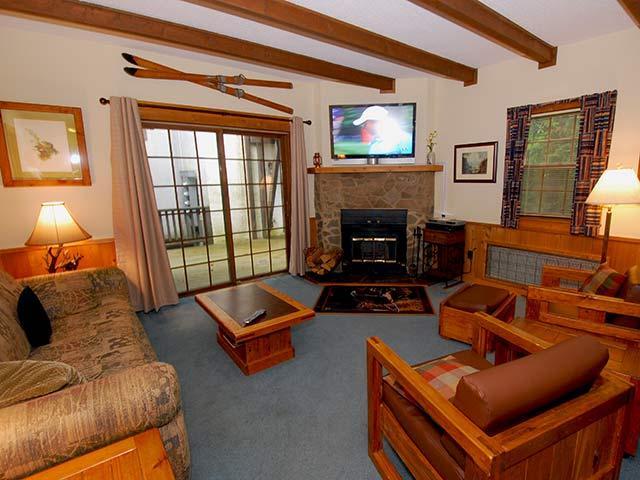 Whistlepunk 31: 2 Bedrooms, 2 Baths. Wood Fireplace. - Whistlepunk - 31 - Snowshoe - rentals