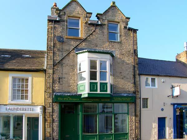 THE OLD DRAPERY, pet friendly, country holiday cottage in Haltwhistle, Ref 9821 - Image 1 - Haltwhistle - rentals