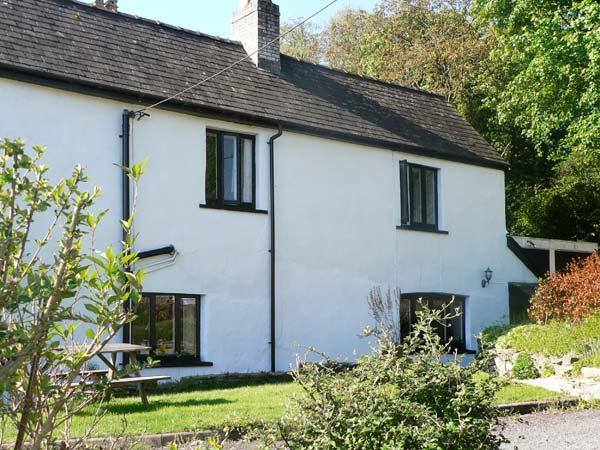 OLD VICARAGE COTTAGE, pet friendly, character holiday cottage, with a garden in Hay-on-Wye, Ref 9211 - Image 1 - Hay-on-Wye - rentals