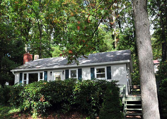 Exterior - Lake View Cottage - McHenry - rentals