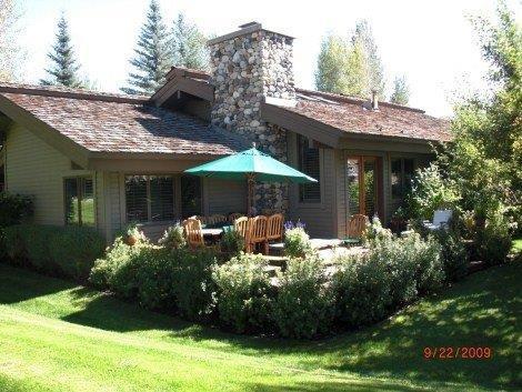 Weyyakin Mountain Home, Great Yard & Deck! - Image 1 - Sun Valley - rentals