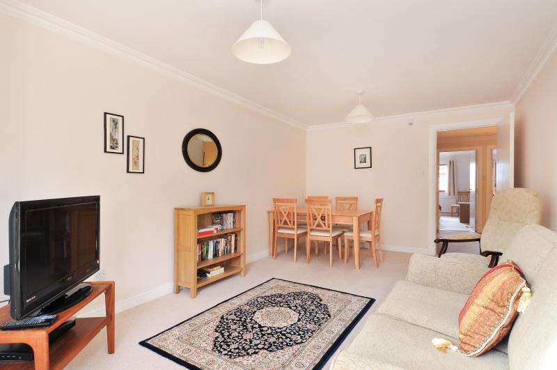 Living room 2 - Orchard Brae Avenue Apartment - Edinburgh - rentals