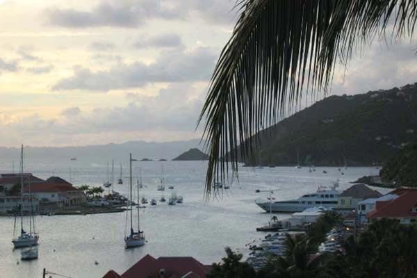 Conveniently located, chic apartment with a nautical theme WV PUL - Image 1 - Gustavia - rentals