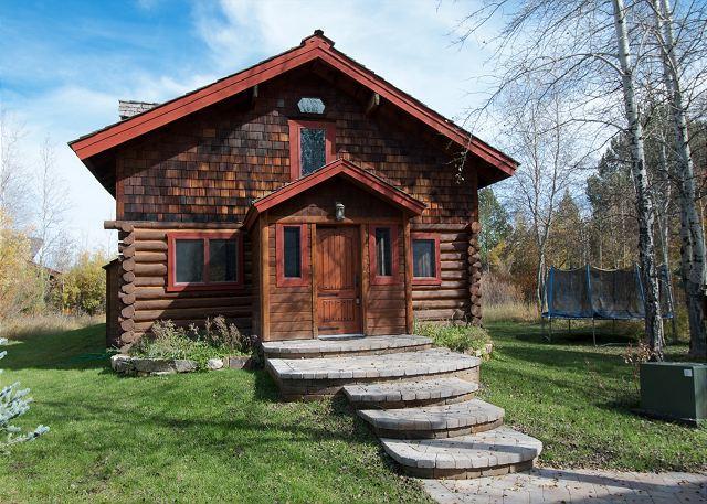 Front of Cabin - Picturesque Custom Log Cabin - Wilson - rentals