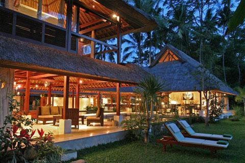 Main Villa in the evening - Villa Pantulan, 5 bedrooms Luxury Villa - Ubud - rentals