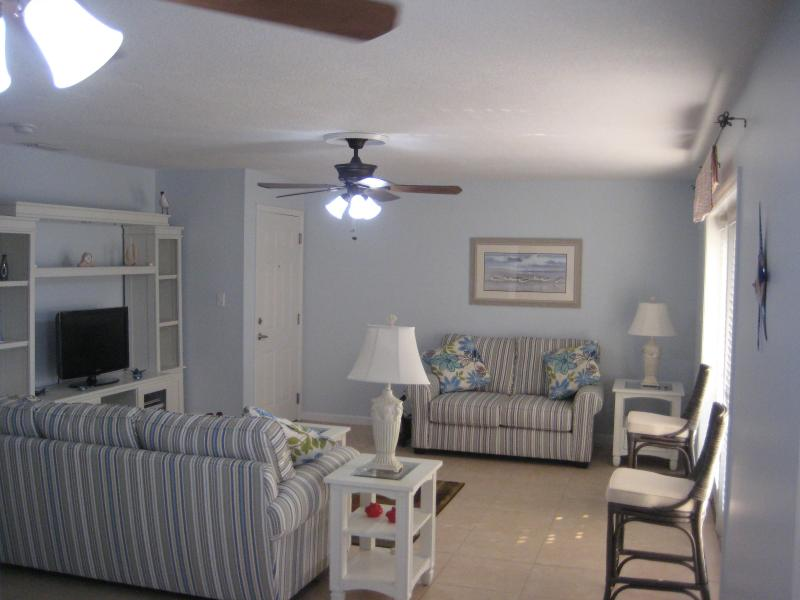 View of complete room - 2 bedroom condo, Coquina Key, Tampa Bay, Florida - Saint Petersburg - rentals