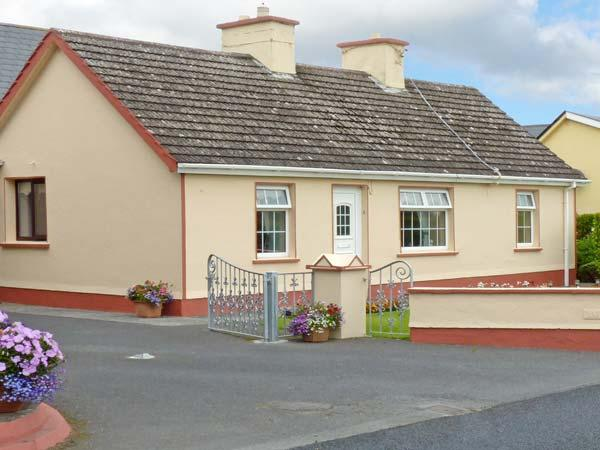 K C COTTAGE, pet friendly, with a garden in Quilty, County Clare, Ref 10373 - Image 1 - Quilty - rentals