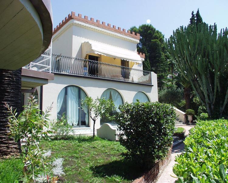 Beautiful Villa in Sicily with Pool Near Taormina - Villa Barbara - Image 1 - Taormina - rentals