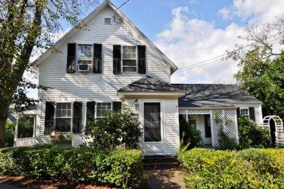 HISTORIC IN-TOWN COLONIAL - EDG BANG-46 - Image 1 - Edgartown - rentals
