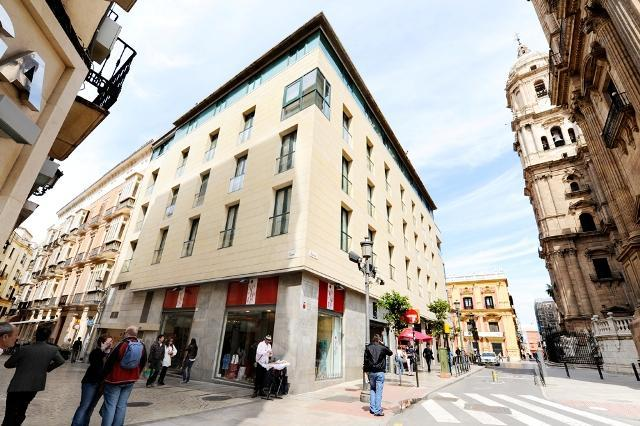 Calle Strachan with Cathedral - Apartment in one of the most luxurious street - Malaga - rentals