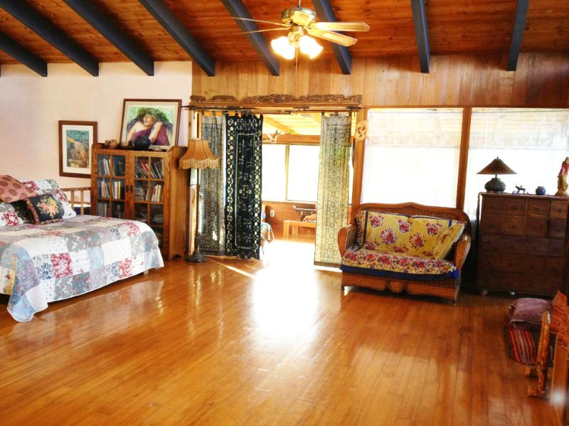 Spacious Living Room - Magical Mapuana with Ocean View - Kealakekua - rentals