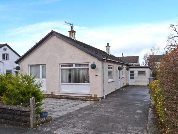 LINBELLER, pet friendly, country holiday cottage, with a garden in Burton-In-Kendal, Ref 10840 - Image 1 - Cumbria - rentals