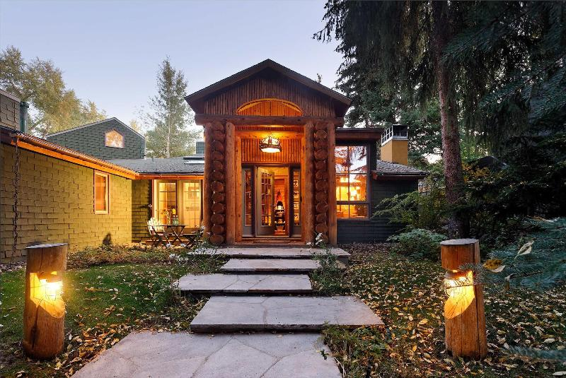 Welcome to Francis Street! - Acclaimed West End home with views of Ajax! - Aspen - rentals