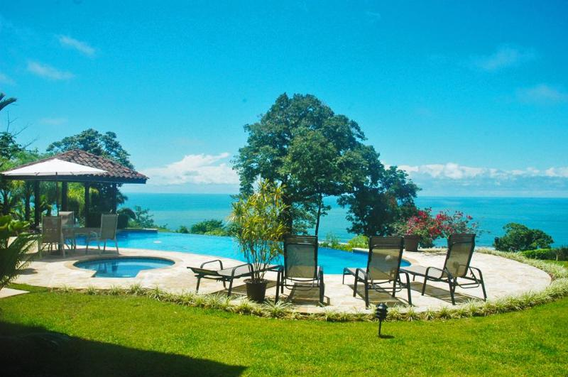 LUXURY OCEANFRONT HOME 5 MINUTES FROM THE BEACH!! - Image 1 - Dominical - rentals