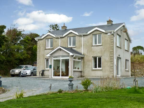 ABBEY HILL, pet friendly, character holiday cottage, with open fire in Mallow, County Cork, Ref 11696 - Image 1 - Mallow - rentals