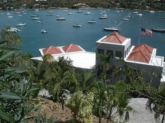 Built with friends and family in mind, this modern luxury villa offers private hillside location overlooking Great Cruz Bay - 39690 - Cruz Bay - rentals