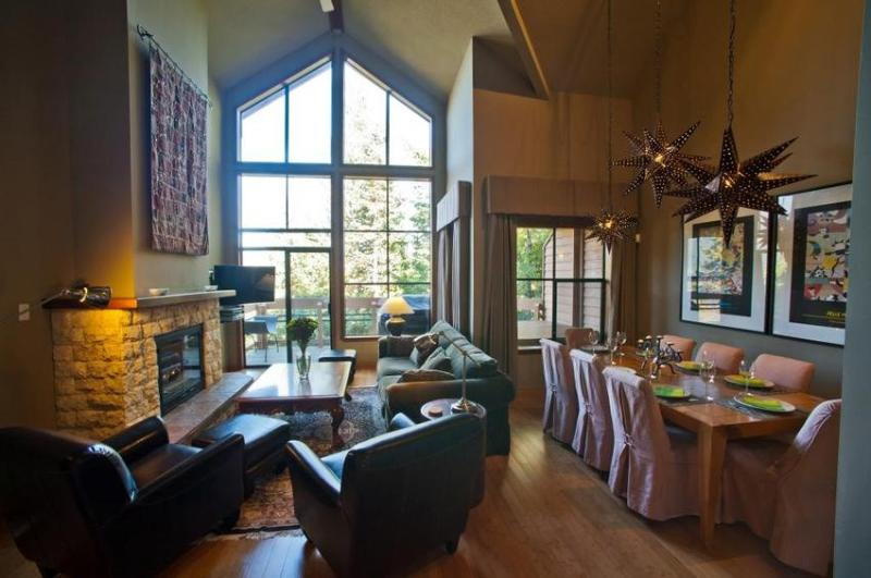 The main living area is ideal for entertaining and relaxing - Whistler Village Luxury Condo Ski In Walk Out Private Hot Tub 3 Bed & Den - Whistler - rentals