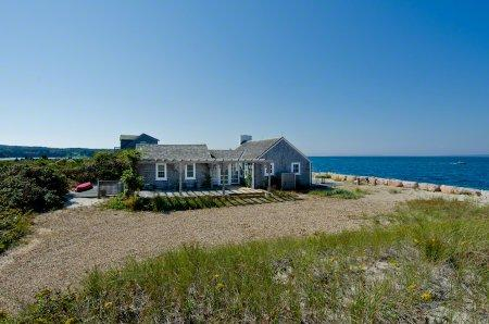 COTTAGE ON THE BEACH AT HERRING CREEK - VH JTON-655 - Image 1 - Vineyard Haven - rentals