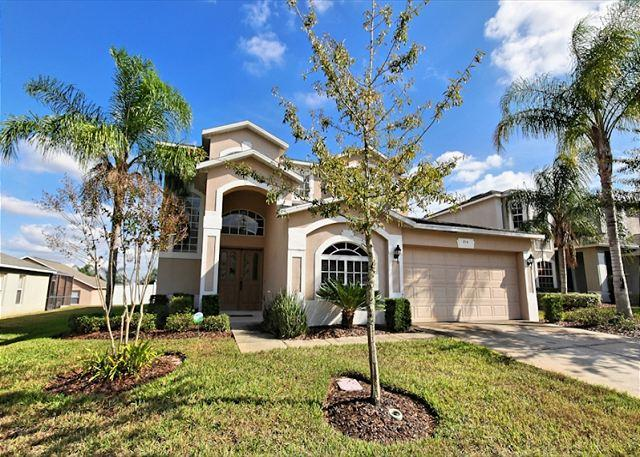 Front View - SUNSET COVE VILLA I: 6 Bedroom Pet Friendly Home with Pool and Spa - Davenport - rentals