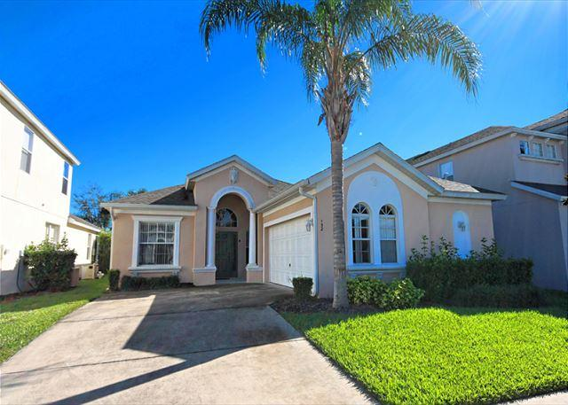 Front View - THE GROVE: 4 Bedroom Pet-Friendly Home with 2 Master Suites - Haines City - rentals