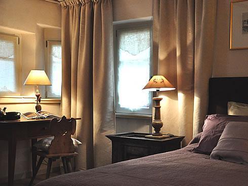 Romantic Bedroom - The Little Wolf - Luxury for 2 with 2 balconies - Riquewihr - rentals