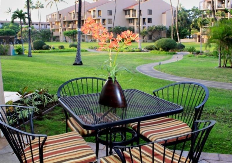 Lanai, 4 seat dining table, Garden View - Kihei - Kamaole Sands #7108 1-bd / 2-ba - Kihei - rentals