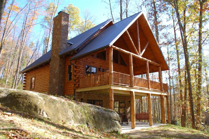 The Woodbury Cabin - Amish Built Log Cabin Hidden on 42 Wooded Acres - Warsaw - rentals