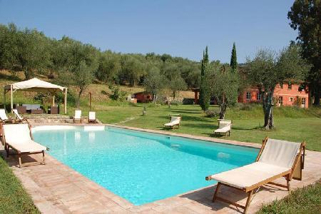 Villa Al Valentino offers a fantastic swimming pool, steam room and jacuzzi - Image 1 - Lucca - rentals