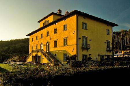 Delightful Palazzo Terranova offers a cook, housekeeping & pool/ jacuzzi - Image 1 - Perugia - rentals