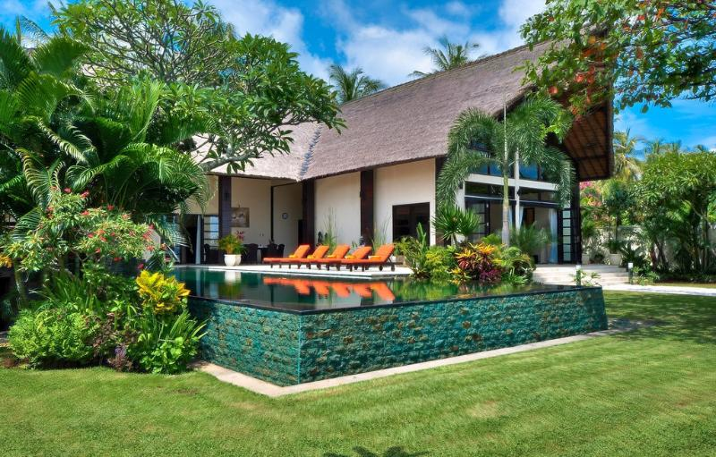 R - Villa Lovina- Luxury Beachfront Villa - Lovina - rentals