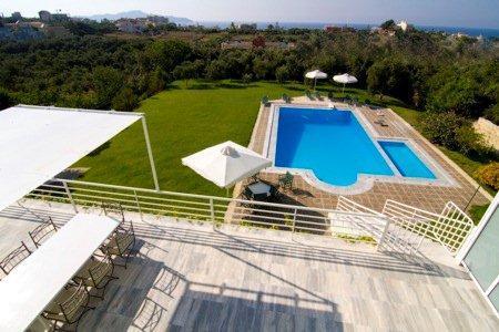 Greek Island Villa on Crete with Private Pool and Walking Distance to Beach - Villa Linos - Image 1 - Kalamaki - rentals