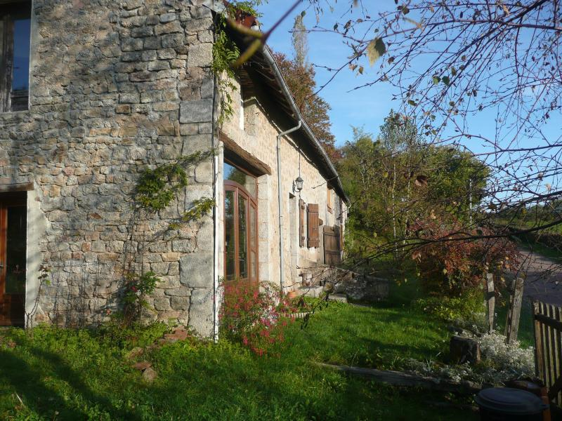 outdoors and part of the garden - Charming Old Stone Farmhouse in Parc Morvan - Lormes - rentals