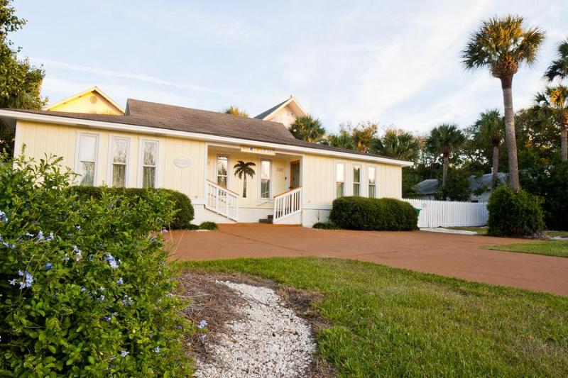 DeSoto Beach Bungalows, with pool, No Hidden Fees - Image 1 - Tybee Island - rentals