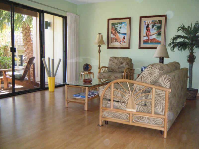 Relaxing Living Room Open to Lanai - Spacious 2 BR/2 BA Relaxing Hawaiian Retreat - Maunaloa - rentals