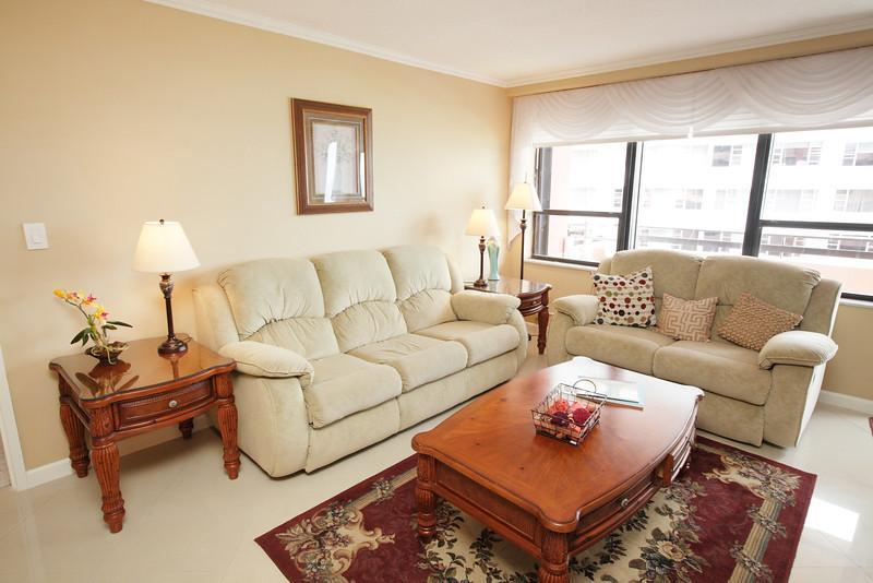 Living Room - Fantastic Oceanfront Resort Suite - 1210 - Miami Beach - rentals