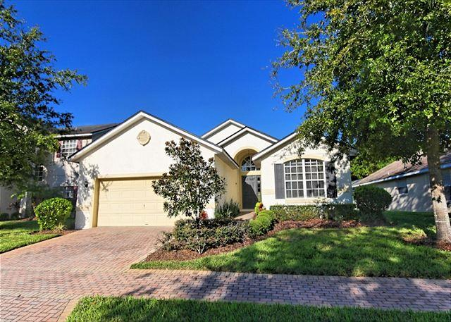 Front View - CILBECK: 4 Bedroom Home in Gated Community with SW Facing Pool and Spa - Davenport - rentals