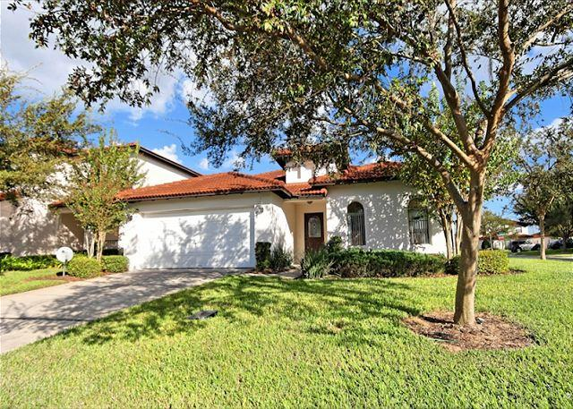 Front View - HAZELWOOD: 4 Bedroom Pool and Spa Home with Community Amenities - Clermont - rentals