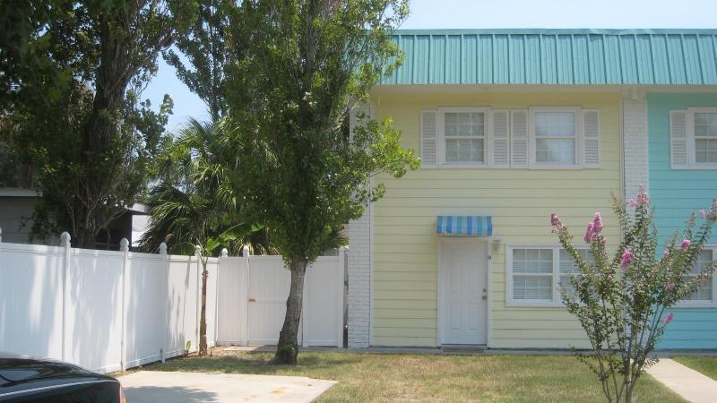 Front View - Beautiful South End Tybee Condo!! - Tybee Island - rentals