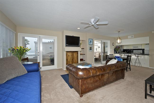 #714 - OCEANVIEWS from many rooms! Wrap-around balcony! - Image 1 - Mission Beach - rentals