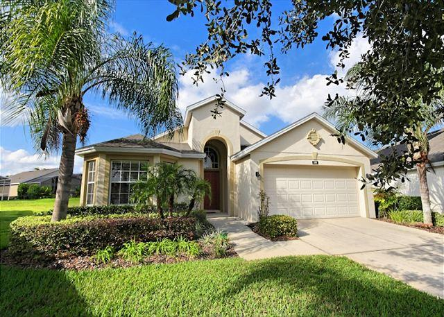 Front View - GRAND PAVILION: 4 Bedroom Home in Gated Community with South Facing Pool Area - Davenport - rentals