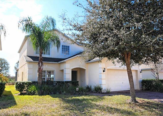 Front View - MAYFIELD HOUSE: 5 Bedroom with Private Pool and Spa - Davenport - rentals