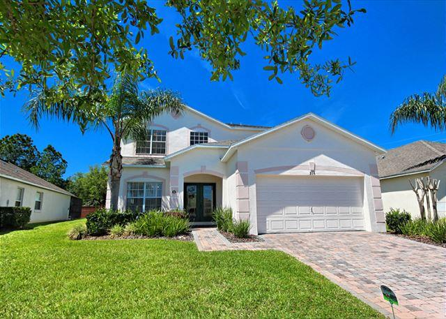 WEST PALMS: 5 Bedroom Home in Gated Community with Secluded Pool and Spa - Image 1 - Davenport - rentals