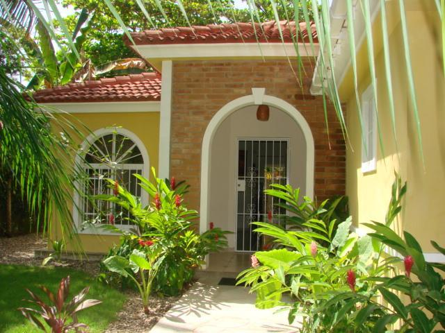 entrance of the house - Very nice, spacious, affordable 3 bedroom villa in Cabarete, close to the beach! - Cabarete - rentals