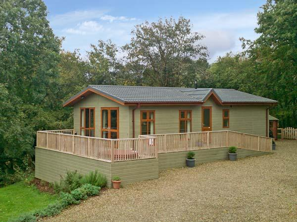 THE MAPLES, family friendly, luxury holiday cottage, with hot tub in Narberth, Ref 11167 - Image 1 - Narberth - rentals