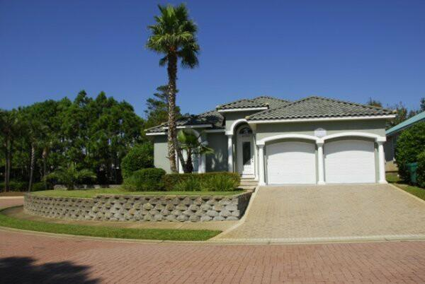 Welcome to the Grand Palms Villa located in Destiny Easy - Apr-May Dates AvailableGolf cart included,Pets GPV - Destin - rentals